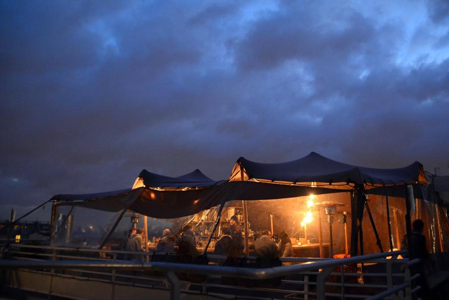 Restaurant bar le perchoir paris douet design for Fenetre sur cour casablanca